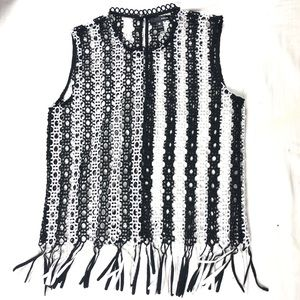 Aqua embroidered top sleeveless with tassels m